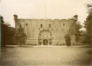 Mastio della Cittadella. Fotografia di Mario Gabinio, 29 maggio 1926. © Fondazione Torino Musei - Archivio fotografico.