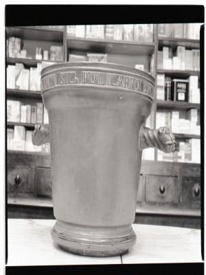 Farmacia Almasio, mortaio in bronzo, 1998 © Regione Piemonte