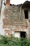 Dettaglio della muratura esterna della cascina Cabianca. Fotografia di Edoardo Vigo, 2012.