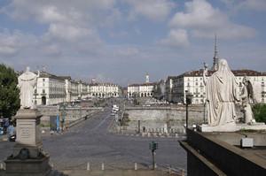 Piazza Vittorio Veneto dalla chiesa della Gran Madre di Dio. Fotografia di Dario Lanzardo, 2010. © MuseoTorino