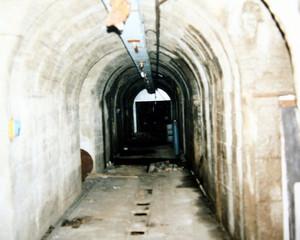 Galleria del rifugio. Aprile 2001. © ISTORETO