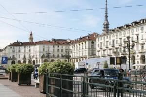 Piazza Vittorio semipedonalizzata. Fotografia di Nicole Mulassano, 2015