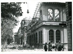 Biblioteca civica Centrale, corso Palestro angolo via Bertrandi, l'edificio dopo il bombardamento, 1943. Biblioteca civica Centrale © Biblioteche civiche torinesi