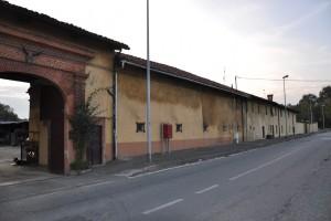 Muro perimetrale nord della cascina Perrone. Fotografia di Ilenia Zappavigna, 2012.
