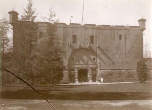 Mastio della Cittadella. Fotografia di Mario Gabinio, 4 aprile 1924. © Fondazione Torino Musei - Archivio fotografico.