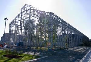 Lo scheletro del reparto finimento dal lotto Valdocco del Parco. Fotografia Comitato Parco Dora, 2010.