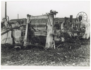 Via Rivalta 61. Stabilimento FIAT - Sezione Materiale Ferroviario. Effetti prodotti dal bombardamento dell'incursione aerea del 20-21 novembre 1942. UPA 2065_9B05-26. © Archivio Storico della Città di Torino