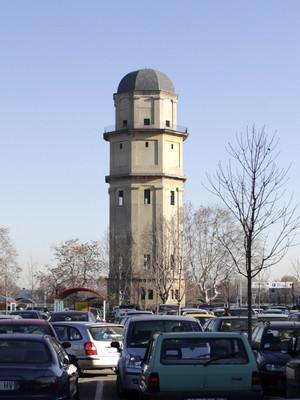 Edificio commerciale, ex stabilimento SNIA Viscosa in corso Romania