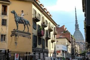 Ernest Zacharevic, Scultura bronzea storia e tradizione, 2018. TOward 2030 - What are you doing? GOAL 0 ACT