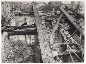 Via Stampatori, Palazzo Balbo Bertone di Sambuy. Effetti prodotti dai bombardamenti dell'incursione aerea del 20-21 novembre 1942. UPA 1792_9B01-22. © Archivio Storico della Città di Torino