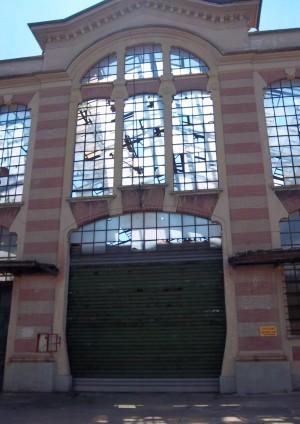 Pietro Fenoglio, Ex fonderie e smalterie Ballada, 1906. Locale fonderia, portone principale. Fotografia L&M, 2011.