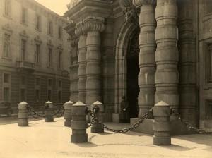 Regio Arsenale, ingresso monumentale. Fotografia di Mario Gabinio, 1934 ca. © Fondazione Torino Musei