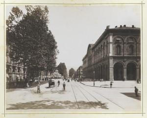 Stazione di Porta Nuova e corso Vittorio Emanuele II. Fotografia Brogi. © Archivio Storico della Città di Torino
