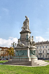 Giovanni Duprè, Monumento a Camillo Benso Conte di Cavour (veduta laterale), 1865-1873. Fotografia di Mattia Boero, 2010. © MuseoTorino.