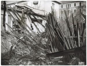 Corso Ciriè 18. Stabilimento Rasetti. Effetti prodotti dai bombardamenti dell'incursione aerea del 30 Novembre 1942. UPA 2431_9C02-52. © Archivio Storico della Città di Torino