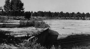 Ex piscina anni '30 in degrado, Parco Ruffini. Fotografia degli anni Cinquanta del Novecento © Archivio Storico della Città di Torino