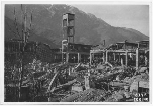 Villar Perosa (Torino) s.l. Stabilimento RIV. Effetti prodotti dai bombardamenti dell'incursione aerea del 3 gennaio 1944. UPA 4315_9E05-06. © Archivio Storico della Città di Torino/Archivio Storico Vigili del Fuoco