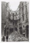 Piazza Palazzo di Città. Effetti prodotti dai bombardamenti dell'incursione aerea del 30 Novembre 1942. UPA 2415D_9C02-39. © Archivio Storico della Città di Torino