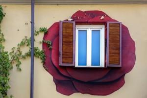 Roberta Fanti, murale senza titolo, 2000, via Locana 19, MAU Museo Arte Urbana. Fotografia di Roberto Cortese, 2017 © Archivio Storico della Città di Torino