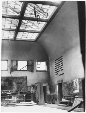 Regia Università (Facoltà di Economia e Commercio – Via Antonio Fabro?). Effetti prodotti dai bombardamenti dell'incursione aerea del 9 dicembre 1942. UPA 3031D_9D02-59. © Archivio Storico della Città di Torino