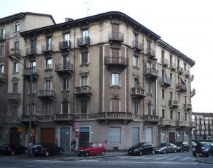 Edificio di civile abitazione in corso Umbria 2