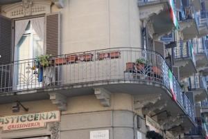 Particolare del balcone angolare. Fotografia di Giuseppe Beraudo, 2011