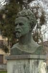Busto di Cesare Battisti. Fotografia di Giuseppe Caiafa, 2011