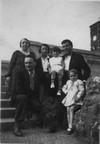 Famiglia sul ponte, 1933-1934. © Archivio Maria Zoppo