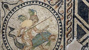 Mosaico proveniente da domus di età romana conservato al Museo di Antichità. Fotografia di Plinio Martelli, 2010. © Soprintendenza per i Beni Archeologici del Piemonte e del Museo Antichità Egizie