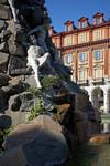 I Titani del monumento al traforo del Frejus. Fotografia di Mattia Boero, 2006. © MuseoTorino.
