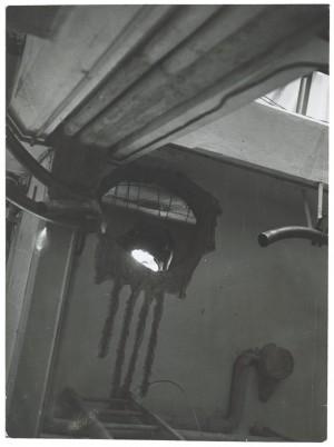 Edificio industriale non identificato. Effetti prodotti dai bombardamenti del 27 agosto 1940. UPA 0317D_9A01-02. © Archivio Storico della Città di Torino