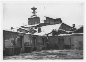 Piazza Palazzo di Città. Palazzo del Municipio. Effetti prodotti dai bombardamenti dell'incursione aerea dell'8 dicembre 1942. UPA 2632D_9C03-55. © Archivio Storico della Città di Torino