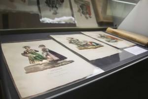 Una vetrina della mostra ''Torino e le donne'' - Sezione: Antichi mestieri