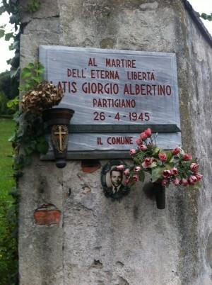Lapide dedicata a Latis Giorgio Albertino (1920 - 1945)