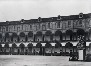 Palazzo dell'Accademia Militare, cortile interno. Fotografia ante 1943. © Fondazione Torino Musei - Archivio fotografico