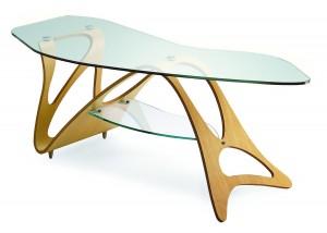 Carlo Mollino, Tavolino per Lisa Ponti e Luigi Licitra, 1949-1950, riproposto da Zanotta © Archivio Zanotta