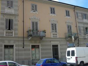 Stabile residenziale, già sede della Società di Mutuo Soccorso fra soli Operai del Borgo della Madonna della Salute