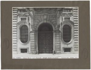 Palazzo Barolo, portale d'ingresso. Fotografia di Giancarlo Dall'Armi. © Archivio Storico della Città di Torino
