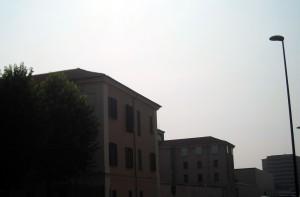 Ingresso del carcere minorile da via Berruti e Ferrero. Fotografia di Silvia Bertelli.