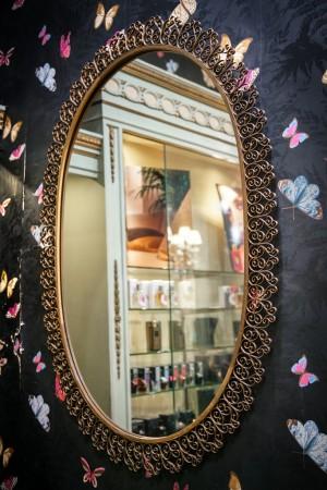 Profumeria Tina Bigiotteria, specchio, 2018 © Archivio Storico della Città di Torino