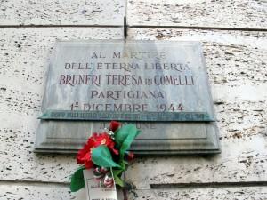 Lapide dedicata a Bruneri Teresa in Comelli (1912- 1944)