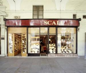 Scali, calzature