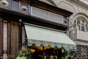 Parte della devanture in corrispondenza del negozio Le fleur de coucou, 2017 © Archivio Storico della Città di Torino