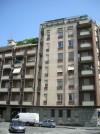 Edificio ad uso abitativo e commerciale in via Aosta 2, 4