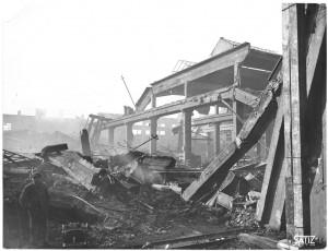 Via Francesco Cigna 115. Stabilimento FIAT, Sezione Ind. Metallurgiche (SIMA). Effetti prodotti dai bombardamenti dell'incursione aerea del 29-30 novembre 1942. UPA 2455D_9C03-14. © Archivio Storico della Città di Torino