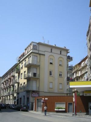 Edificio di civile abitazione in via Rivarolo 15