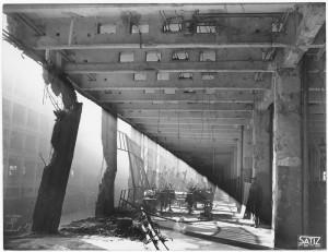 Via Nizza. Stabilimento FIAT Lingotto. Effetti prodotti dai bombardamenti dell'incursione aerea del 30 novembre 1942. UPA 2465_9C03-23. © Archivio Storico della Città di Torino