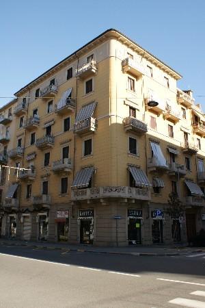 Casa di abitazione via Verres 20 angolo corso Vercelli 107