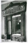 Il locale della Macelleria Carlo Pia, verso la metà del '900 inglobato nella vicina pasticceria, 1920-1930, (riproduzione da libro: L. Artusio, M. Bocca, M. Governato, 2005, p. 110, n.221)