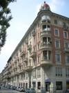 Edificio ad uso abitazione, negozi e laboratorio in corso Regina Margherita 72 bis